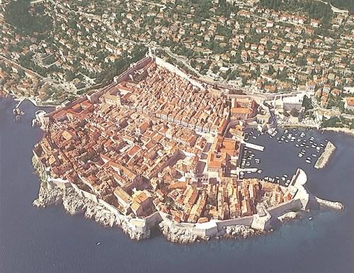 Dubrovniks Altstadt aus der Luft fotografiert