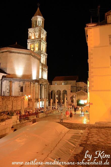 Split bei Nacht
