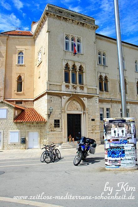 Traumhaft schöne Gebäude an der westlichen Riva
