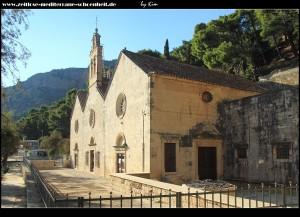 Rund um die Crkva Crkva Gospa gusarica und ihrem Strand
