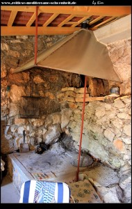 Das Innere eines alten Steinhauses