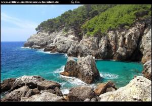 In der schönen Bucht von Ropa