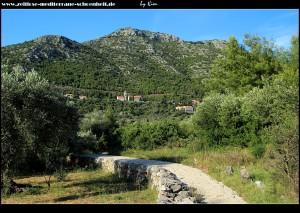 Blick auf den Velji Grad und Babino Polje samt dem hässlichen Glockenturm