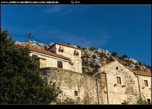 Der Osten des Dorfes mit den erhaltenen Wehtürmen