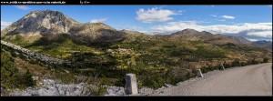 Ausblick auf den Berg Tmor und das Dorf Mravinca