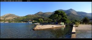 An der Promenade mit Wasserkanal, Brücke und Strand