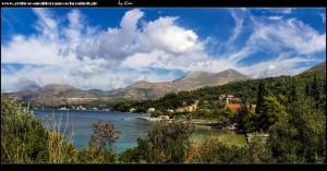 In Banja mit Crkca Sv. Nuncijata und dem dahinterliegendem Strand