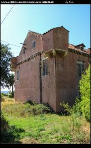 Ferienhaus der Familie Ohmučević-Bizzaro und die dazugehörige Crkva Sv. Ana