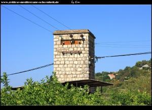 Selbst Stromverteiler werden passen zur Architektur und Landschaft
