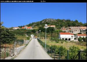 Straße rauf ins obere Dorf
