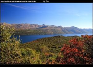 Blick aufs Festland unterhalb des Velji Vrhs
