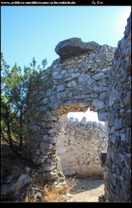Festungsanlage auf dem Gipfel