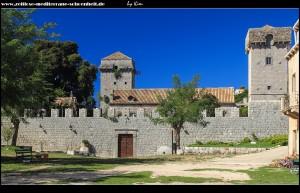 Mauer und Festungstürme beider Landschlösser