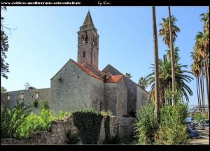 Das Kloster von hinten und von der Seite