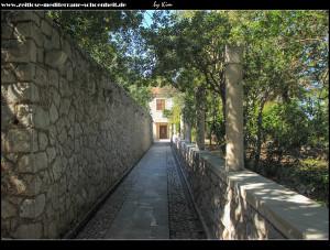 Eingang zur Villa Ruža