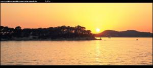 Die Insel Daksa bei untergehender Sonne - im Hintergrund Gornje Čelo auf Koločep