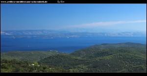 Blick nach Norden mit dem Mosor- und Biokovogebirge, sowie die Inseln Šolta, Brač und Hvar