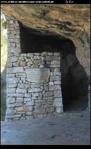 An der Höhle