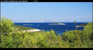 Straße nach Brguljac - Blick auf die Inselchen Mali und Veli Paržanj und im Hintergrund Hvar
