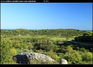 Podselje mit Bick auf das Velo Polje und die Insel Sušac im Süden