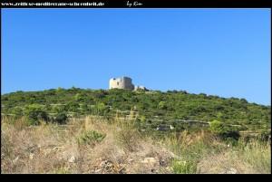 Borovo Polje mit altem Dorf  Stončica und der Festung Wellington auf einem Hügel
