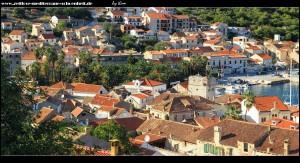 Stadtteil Luka mit Hafen und großem Palmenpark