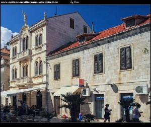 Trg Klapavica mit Tramontana-Haus