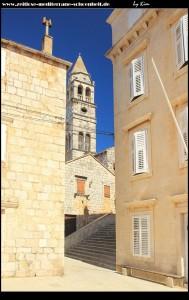 Über den Trg Podlože erreicht man die Crkva Sv. Ciprijan i Justina