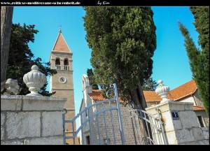 im alten Teil von Slatine mit der Crkva Uznesenja Blažene Djevice Marije