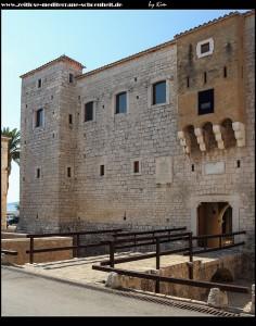 Der Norden des Kastell Vitturi mit Brücke und Festungstürmen