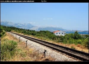 Bahnlinie nach Split in der Nähe von Radun aufgenommen