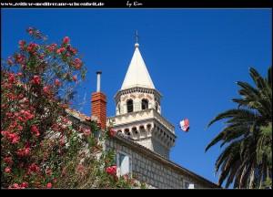 Der Glockenturm der Crkva Bezgrešnog Začeća Blažene Djevice Marije