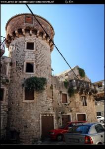 Kula Cambi mit angeschlossenem Renaissance-Palast