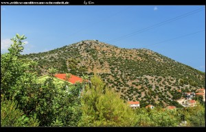 Berg Drid mit Kirche Gospa od Sniga