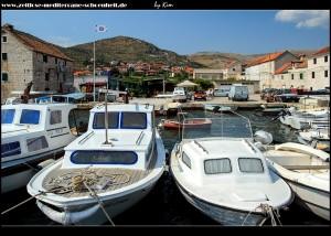Am kleinen Hafen