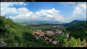 Rauf auf die Festung mit tollen Blick auf die Stadt, Felder, den See und die Gebirge