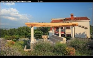 schöne Häuser in Hrvace