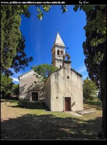 Die alte Kirche Sv. Ivan, dahinter die alte Pfarrkirche Sv. Stjepan