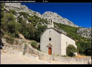 Crkva Sv. Barbara in der Dorfmitte