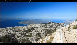 Rundweg mit weitem Blick über Inseln bis nach Split
