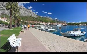 entlang der wunderschönen Riva mit traumhaften Panoramen auf Stadt, Gebirge und Meer