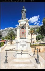 Statue des fra Andrija Kačić-Miošić