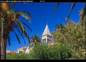 Glockenturm der Kirche Sv. Filip