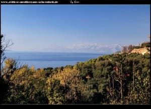 Ausblick auf den Omiška von Galebova Krila aus