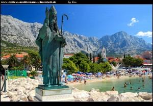 Hafeneinfahrt mit Statue des Schutzpatrons des hl. Nikolaus